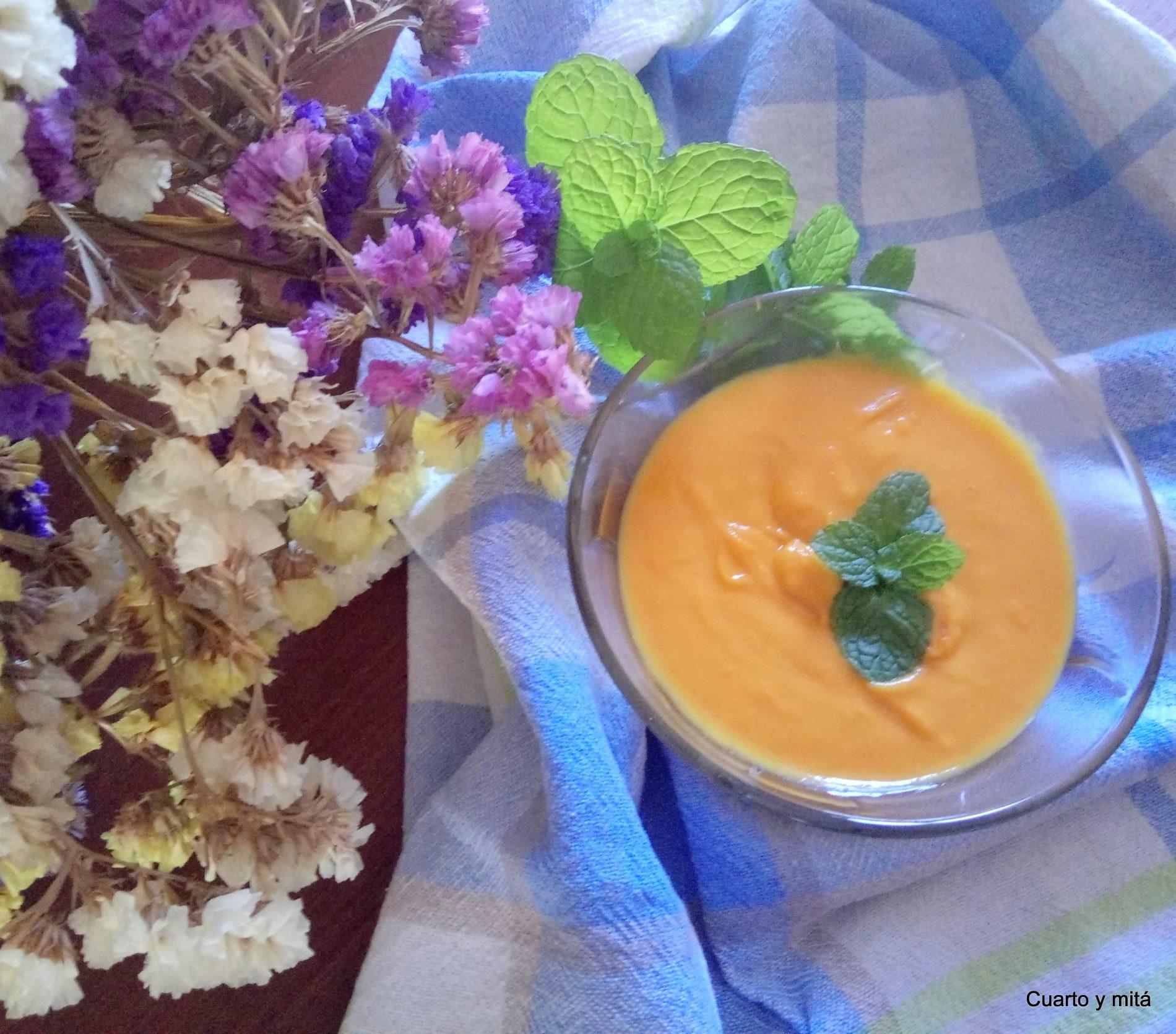 Cuarto Y Mita Crema De Zanahoria Y Manzana Zanahorias de excelente sabor y muy vistosas. cuarto y mita crema de zanahoria y manzana